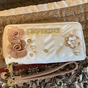 White betsey Johnson wristlet/ Wallet